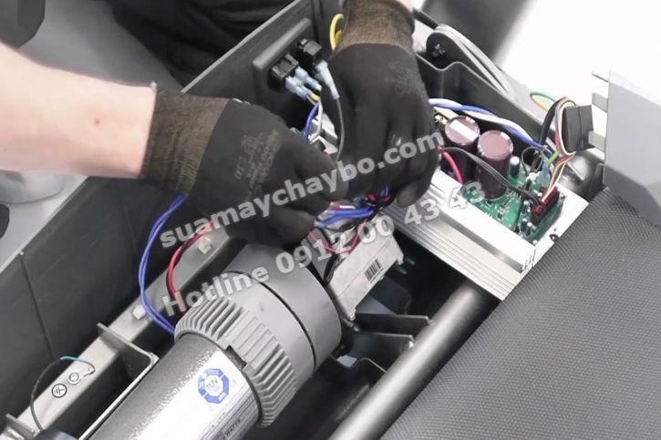 Sửa board mạch máy chạy bộ điện