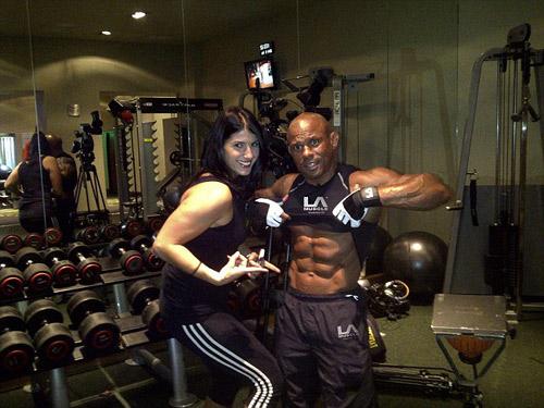 Lazaro Almanaras 62 tuổi cơ bắp vẫn cuồn cuộn