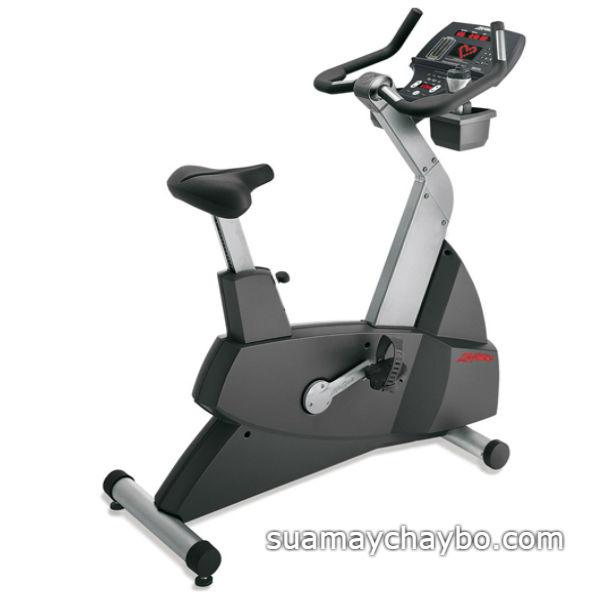 Xe đạp tập life Fitness